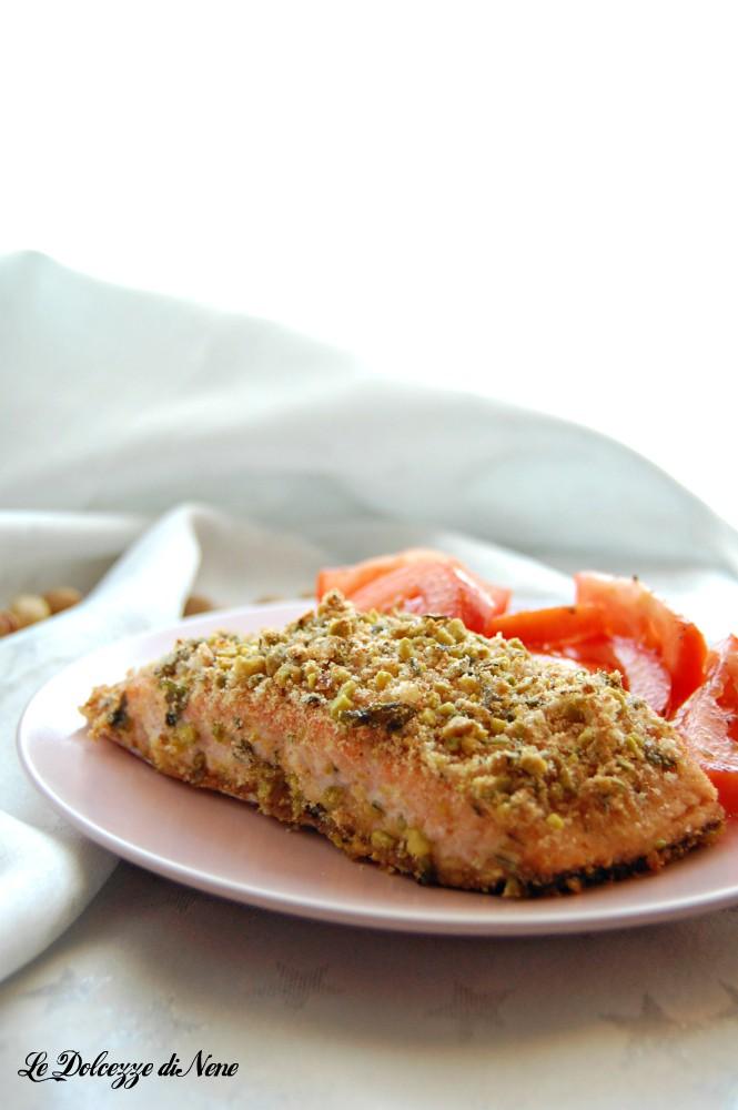 salmone gratinato al forno con pistacchi