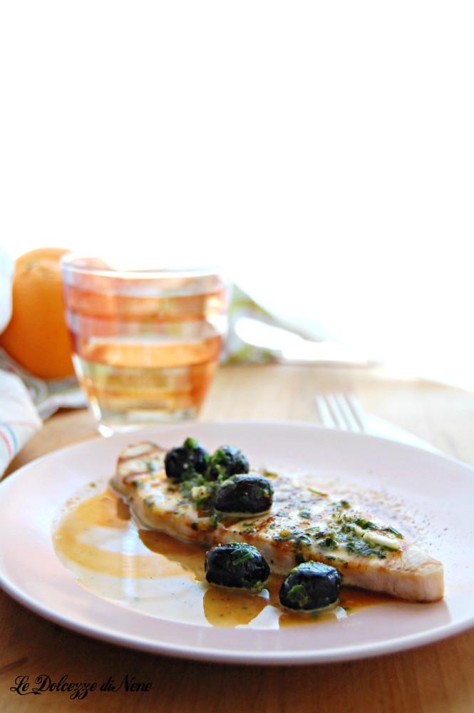 pesce spada con arancia e olive nere