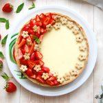 crostata con cioccolato bianco e fragole