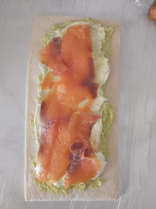 rotolo salmone e avocado