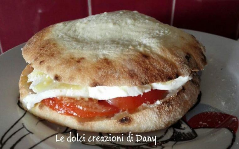 Pane pizza pitta calabra