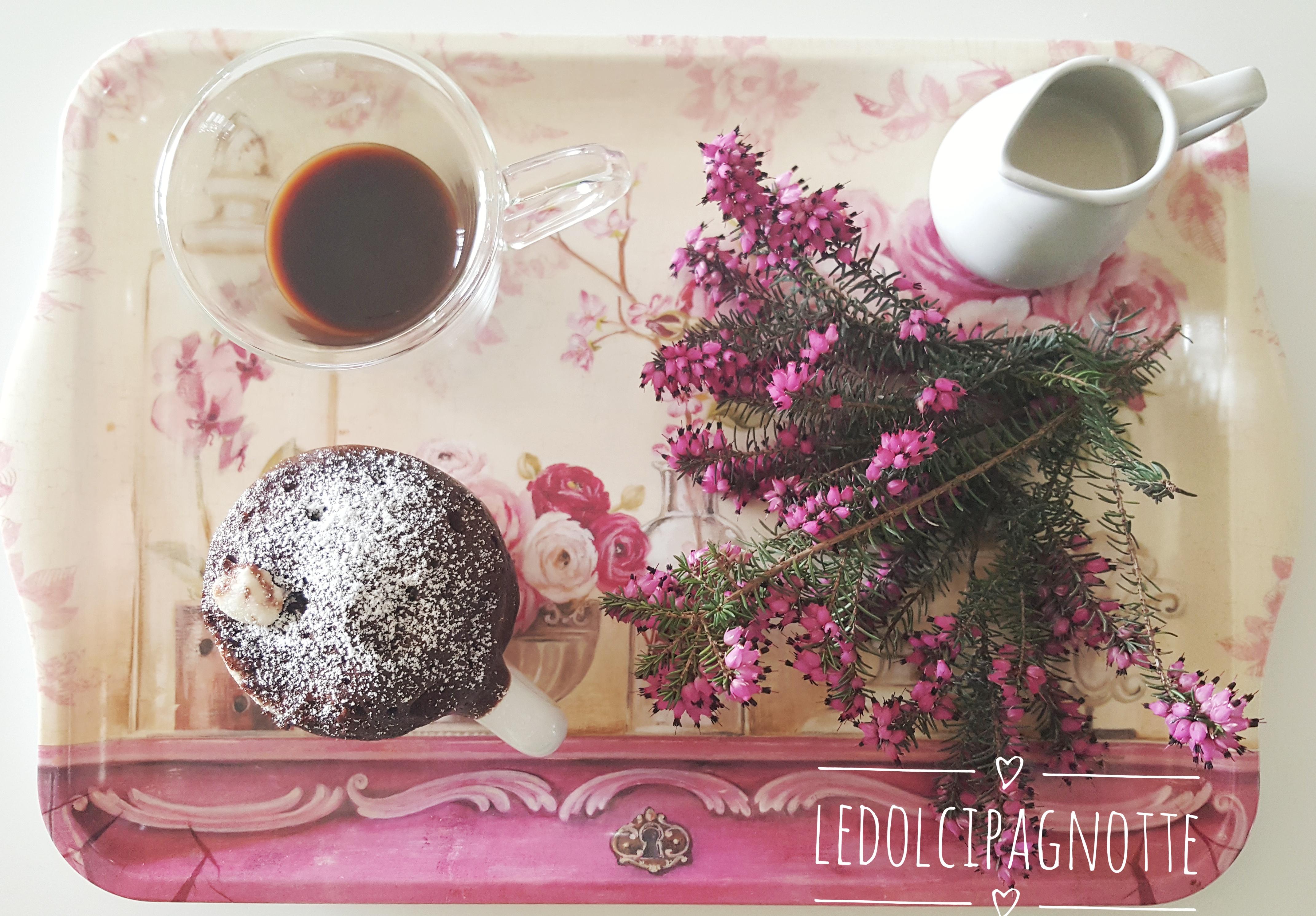 tortino al cioccolato in tazza
