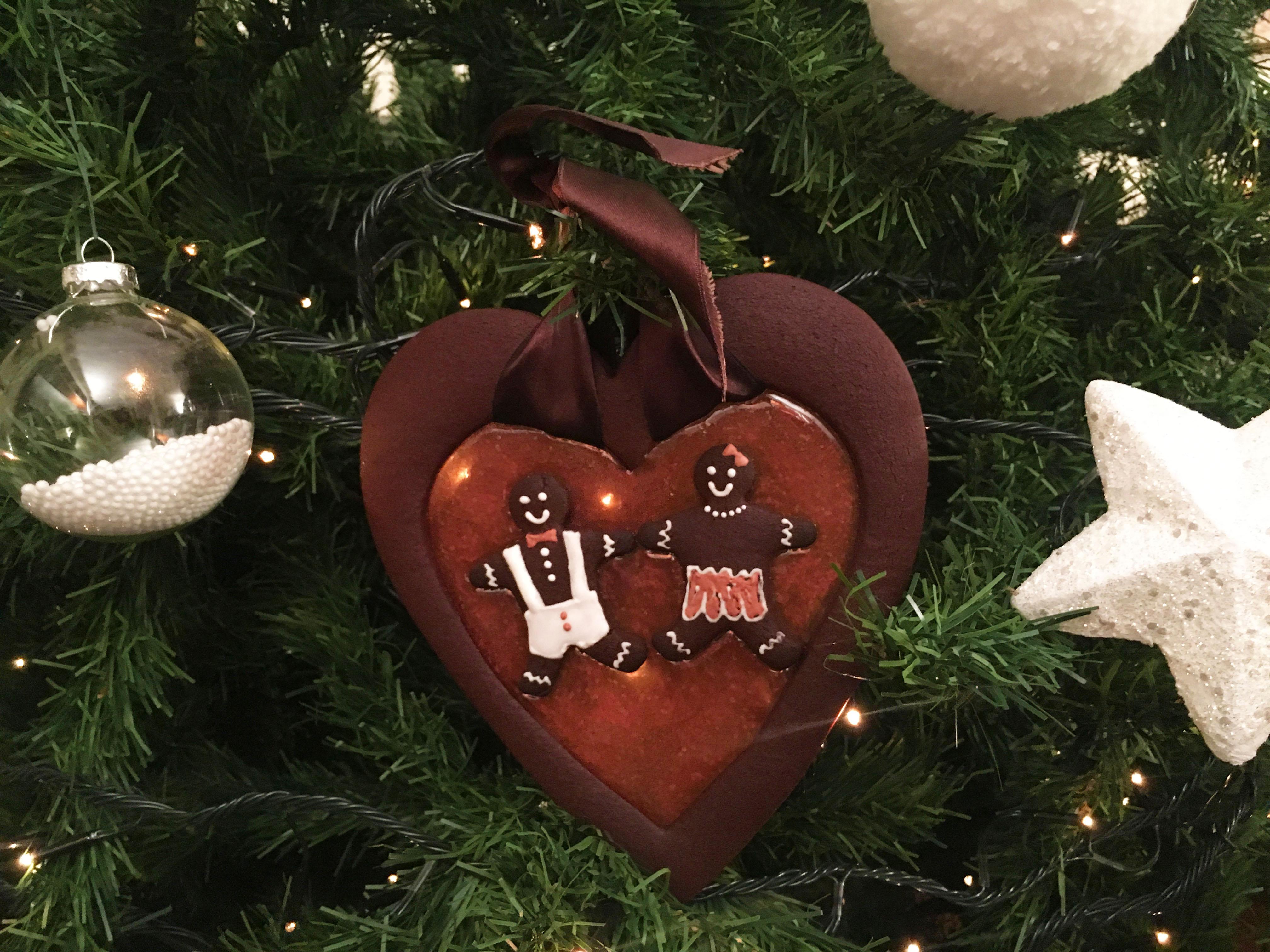 Albero Di Natale Con Biscotti Bucaneve.Cuore Di Pan Di Zenzero Al Cioccolato E Isomalto Christmas In Love Leeno S Kitchen