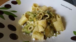 pasta con zucchine trifolate e olive