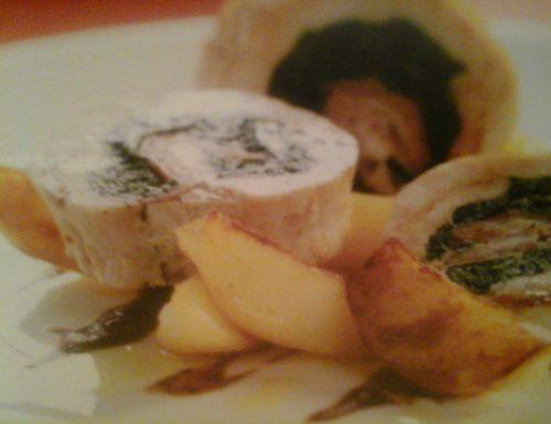 Rollata di petto di tacchino con cuore di spinaci, prosciutto e fontina