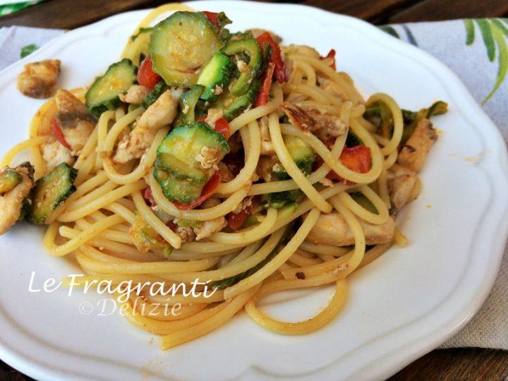 Spaghetti con la ricciola zucchine e pomodorini