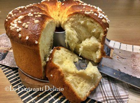 Brioche glassata alla panna e zucchero
