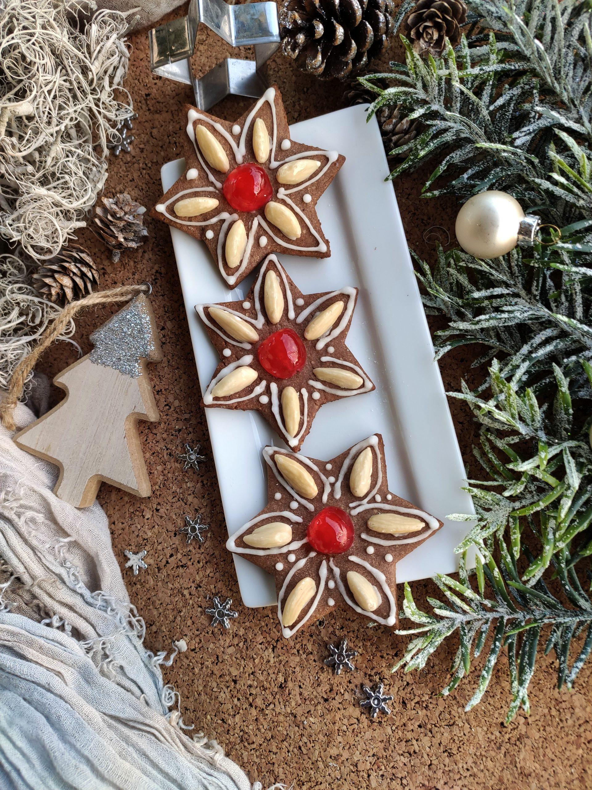 Biscotti a stella natalizi