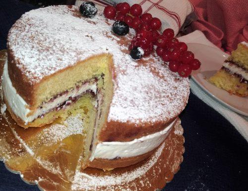 Torta paradiso farcita con crema alla vaniglia