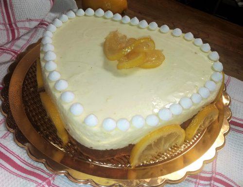 Torta semplice di compleanno al limone