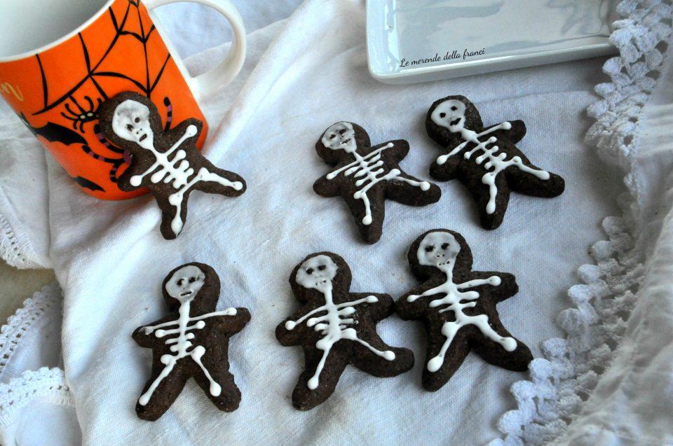 Biscotti scheletro di frolla