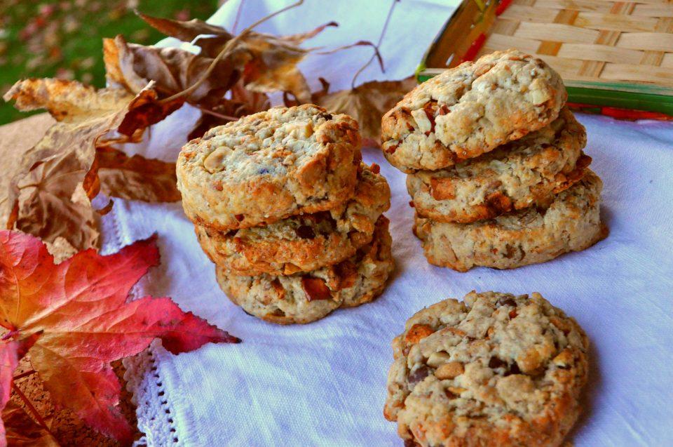 Biscotti rustici con muesli e mandorle