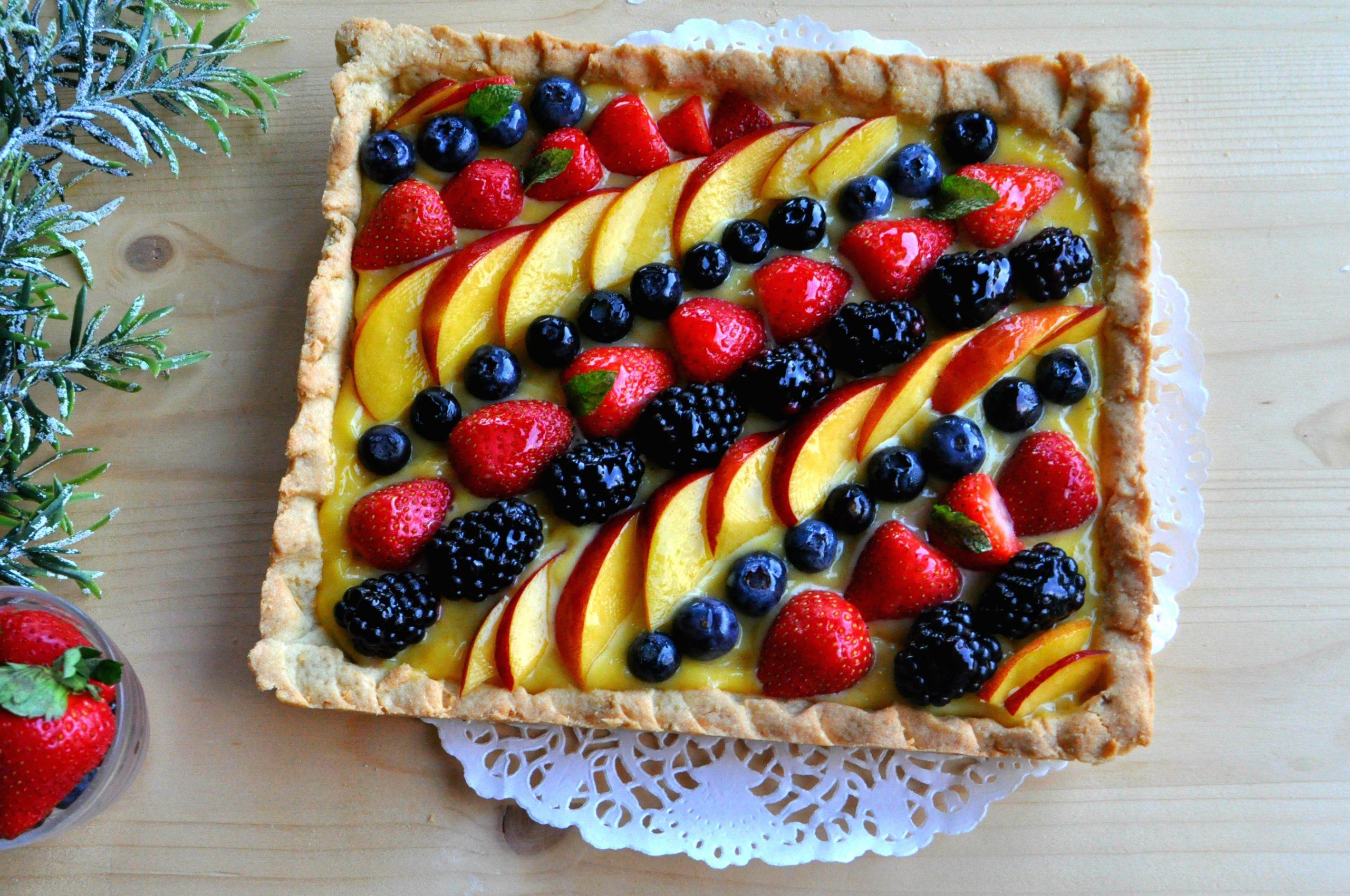 Crostata crema al cioccolato bianco e frutta