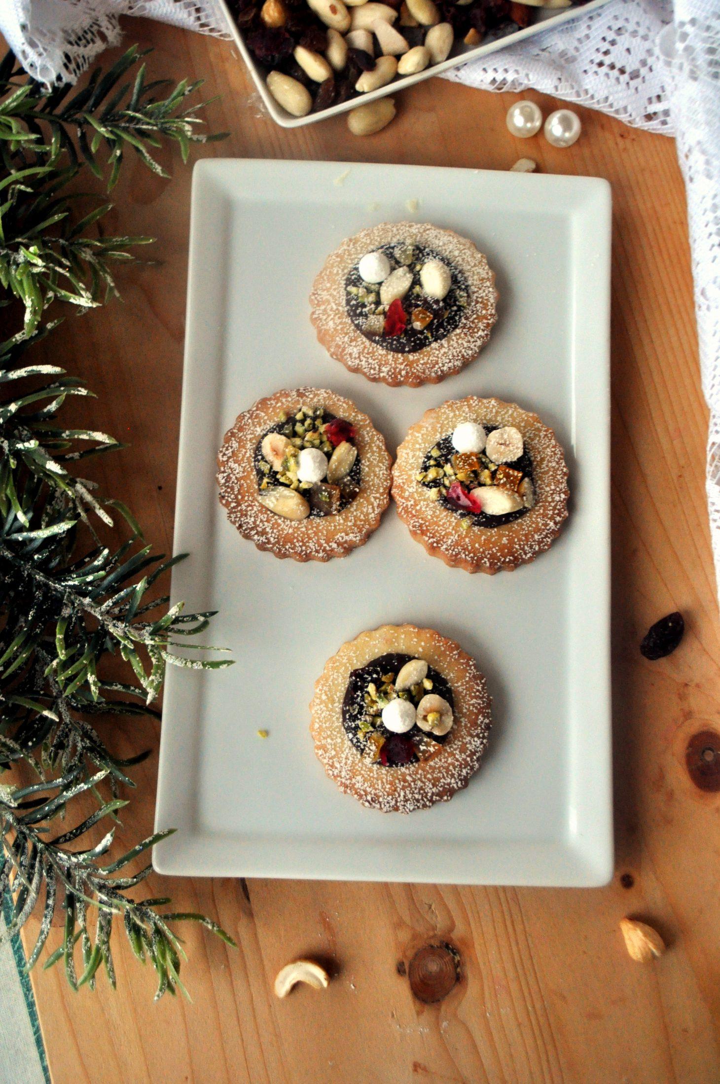 Biscotti cioccolato e frutta secca