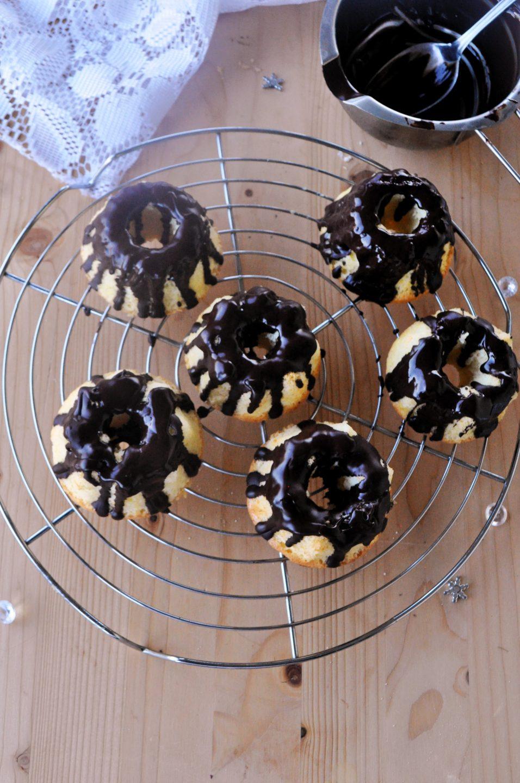 Piccole chiffon cake glassate