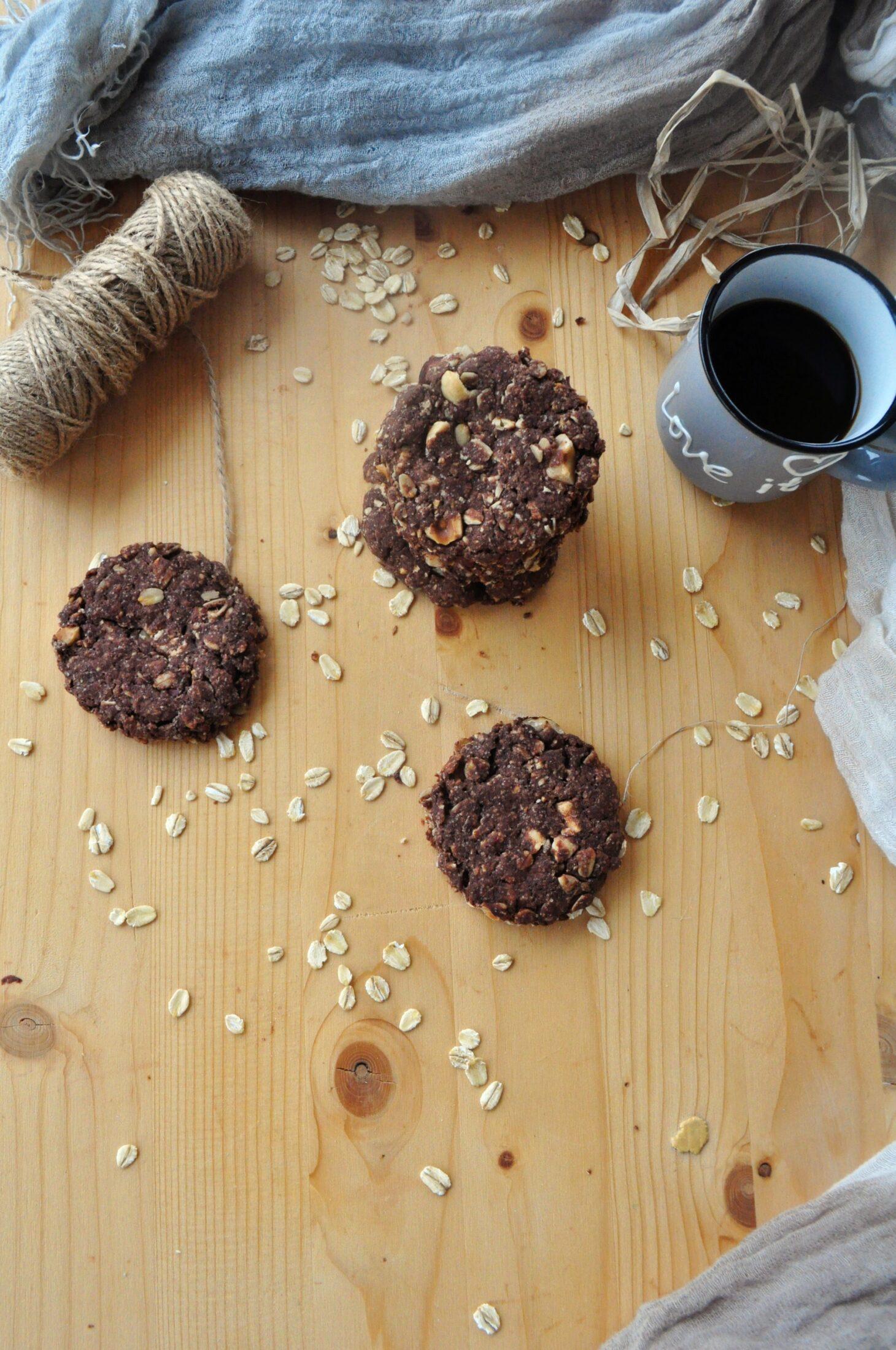 Cookies integrali all'avena e nocciole
