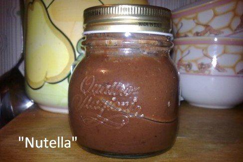 """""""Nutella"""" fatta in casa"""