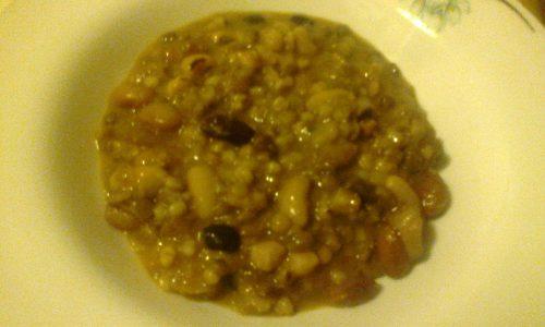 Zuppa di legumi misti ed orzo