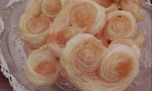 Ventagli di pasta sfoglia dolci