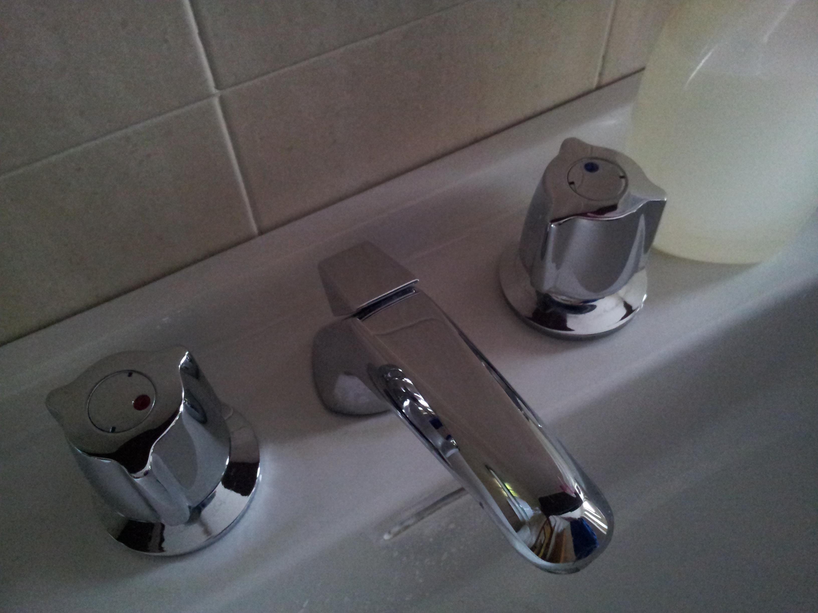 pulire il bagno in modo eco. ecologico / economnico