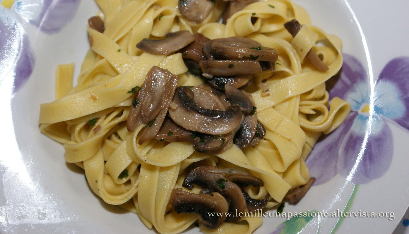 Farfalle ai funghi le mille e una passione - Come cucinare champignon ...