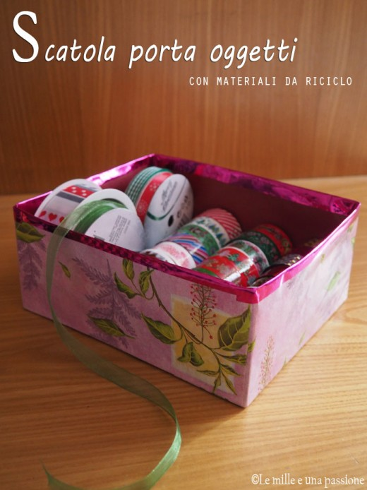 scatola con materiale di riciclo