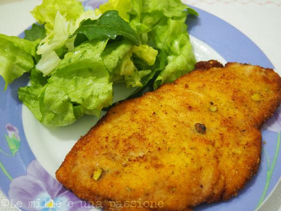 Petto di pollo con impanatura al pistacchio