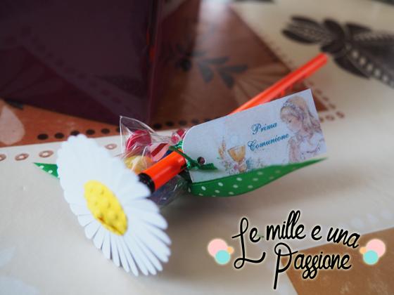 matita con margherita di carta