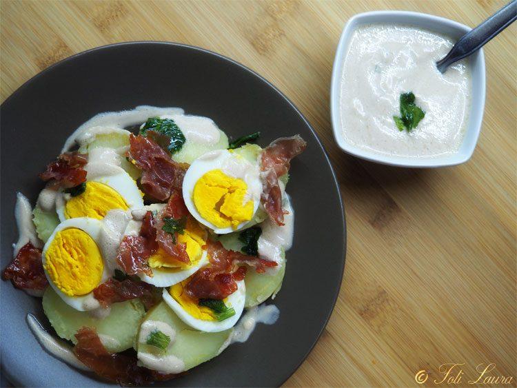 Insalata di patate con uova sode e yogurt