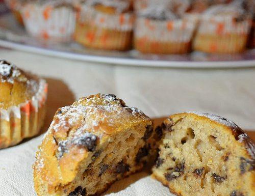 Muffin di castagne con gocce di cioccolato