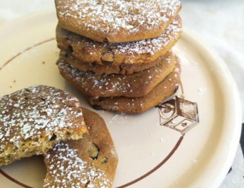 Biscotti con farina castagne e gocce di cioccolato