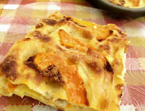 Lasagna con zucca, gorgonzola, speck e scamorza affumicata