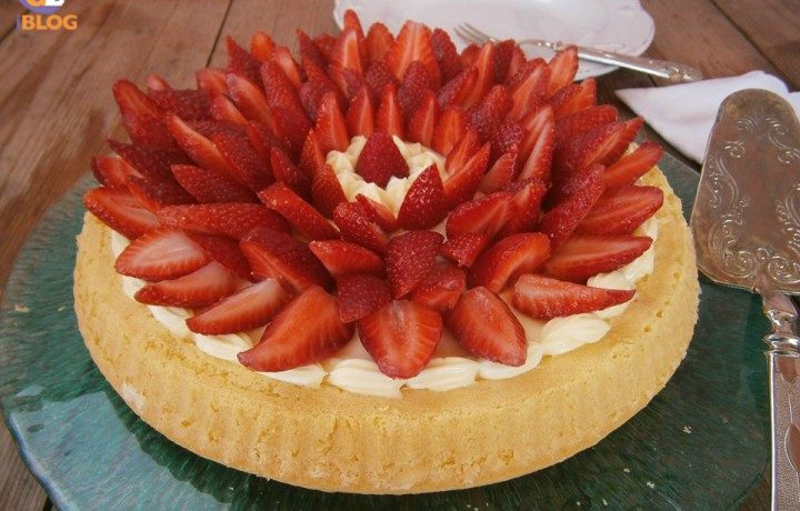 Crostata di fragole su base morbida