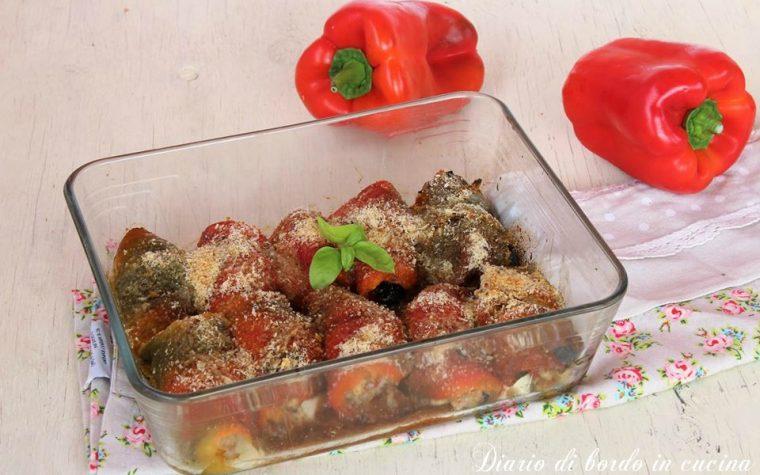 Involtini di peperoni con scamorza e pomodori secchi