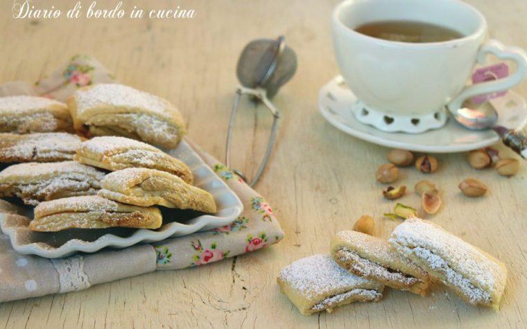 Biscotti ripieni alla crema di pistacchio