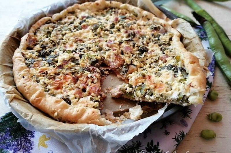 Pizza sfogliata ricotta salata pancetta e fave