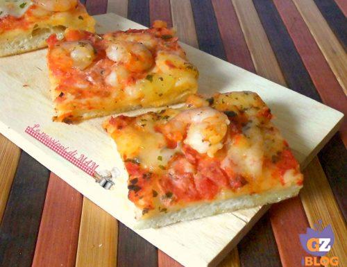 Pizza in teglia con gamberetti