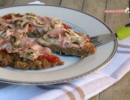 Pizza di carne prosciutto e funghi