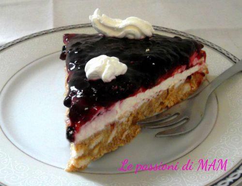 Cheesecake con confettura ai frutti di bosco