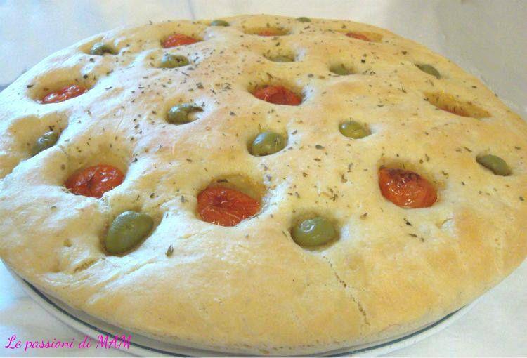 focaccia pomodori e olive