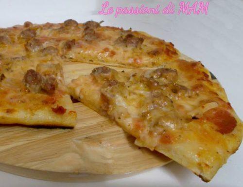 Pizza salsiccia e cipolla con lievito madre