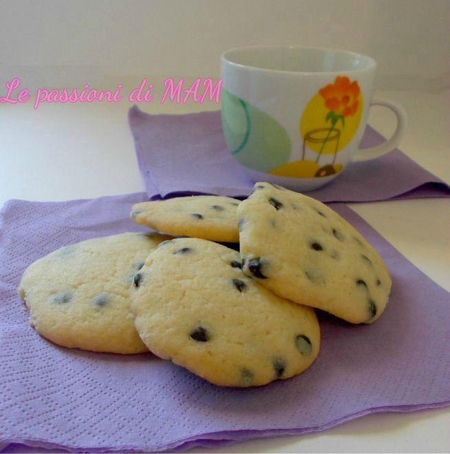 biscotti al burro con gocce di cioccolato