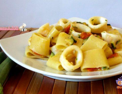 Calamarata con zucchine e calamari