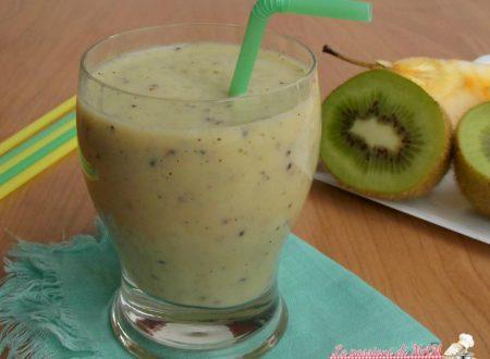 Frullato di kiwi e mela con latte