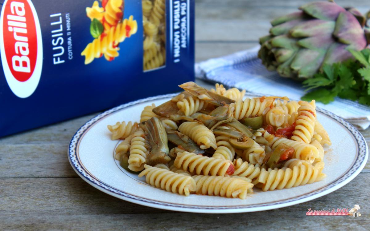 Pasta con Carciofi Olive e Capperi