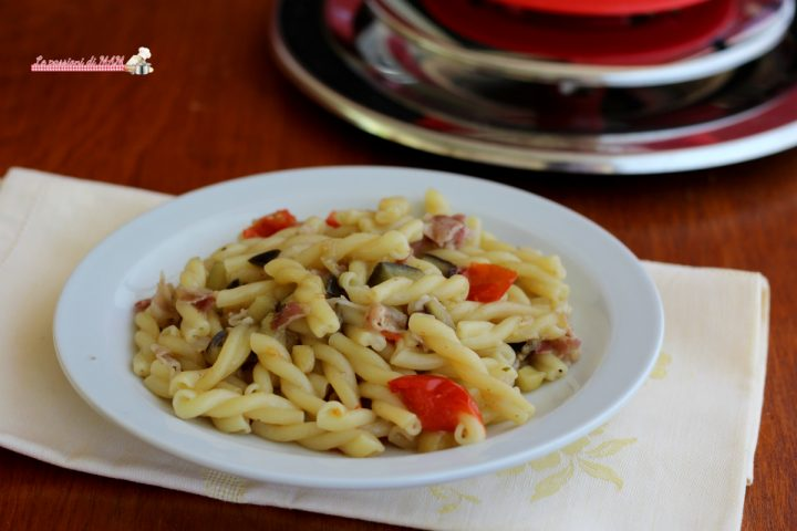 Pasta con melanzane e pancetta con Magic cooker