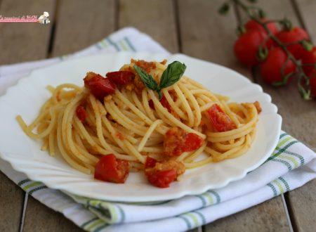 Spaghetti con i pomodori infornati