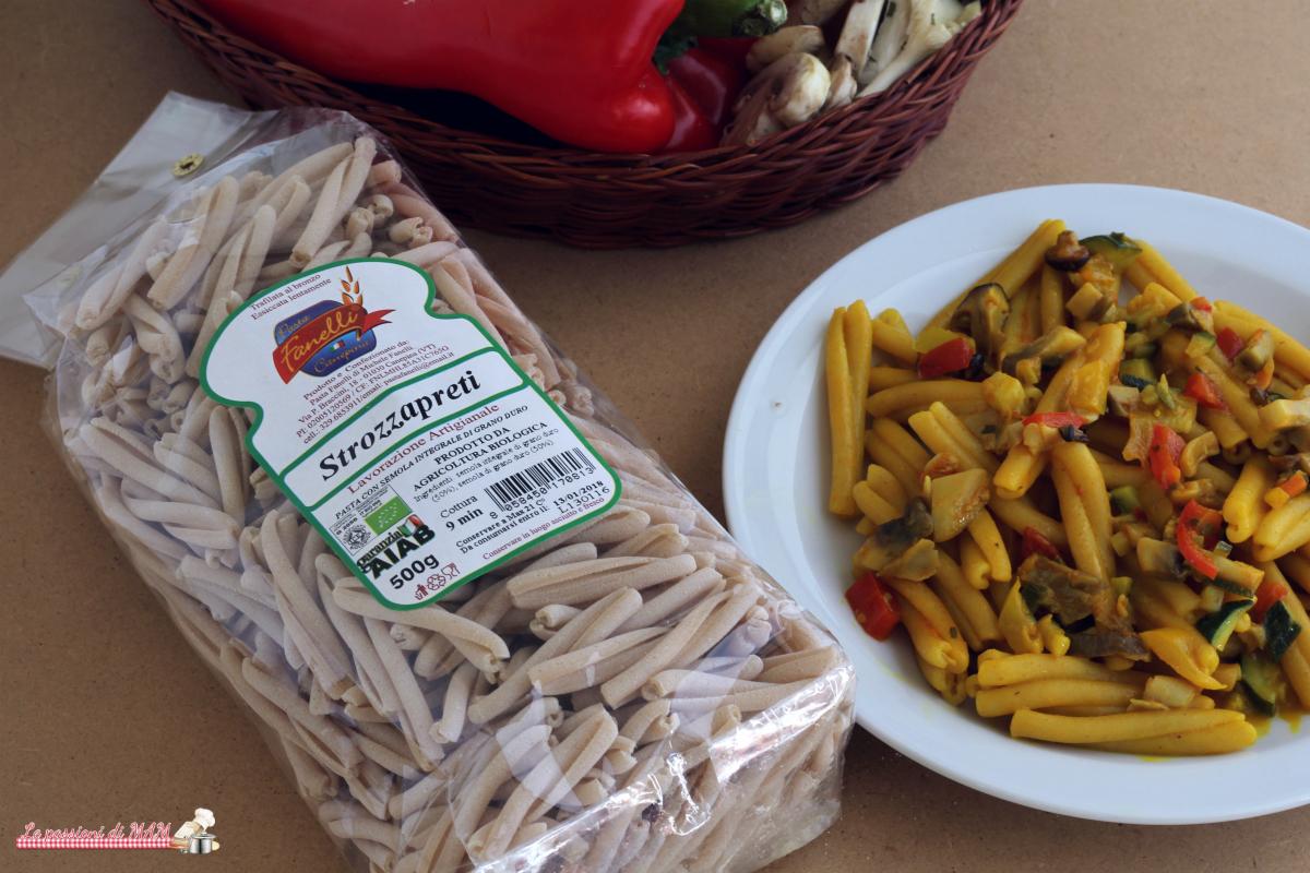 pasta fanelli con ragù di verdure e curcuma