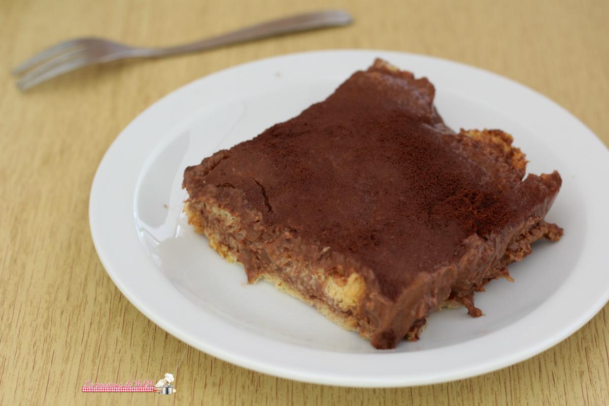 Dolce di pandoro e crema al cioccolato