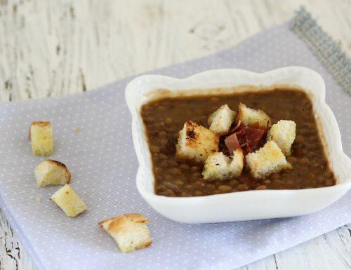 Zuppa di lenticchie saporita
